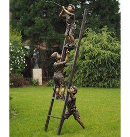 Bronze-Skulptur 3 Kinder auf Leiter