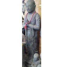 Shaolin Mönch stehen in zwei Größen