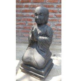 Kinder Monk salutieren