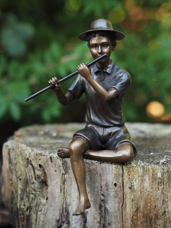 Bronzen beeld jongen met fluit - Eliassen.nl - Eliassen Home u0026 Garden ...