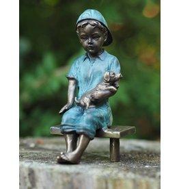 Bronzen beeld jongen met boek