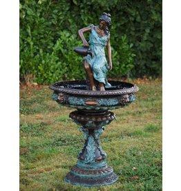 Bronze Frau mit Krug Brunnen