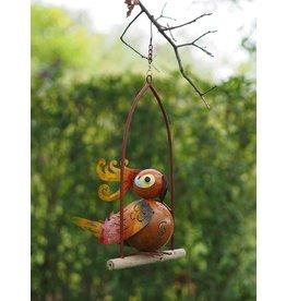 Metalen vogel in schommel 4