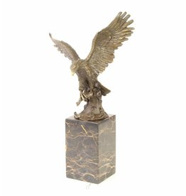 Angeln Bronzestatue Raub
