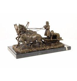 Bild 3 Bronzepferde mit Troika