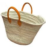 Basket met oranje leren hangsels