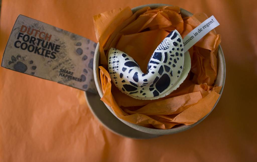 Dutch fortune cookie Delft blue