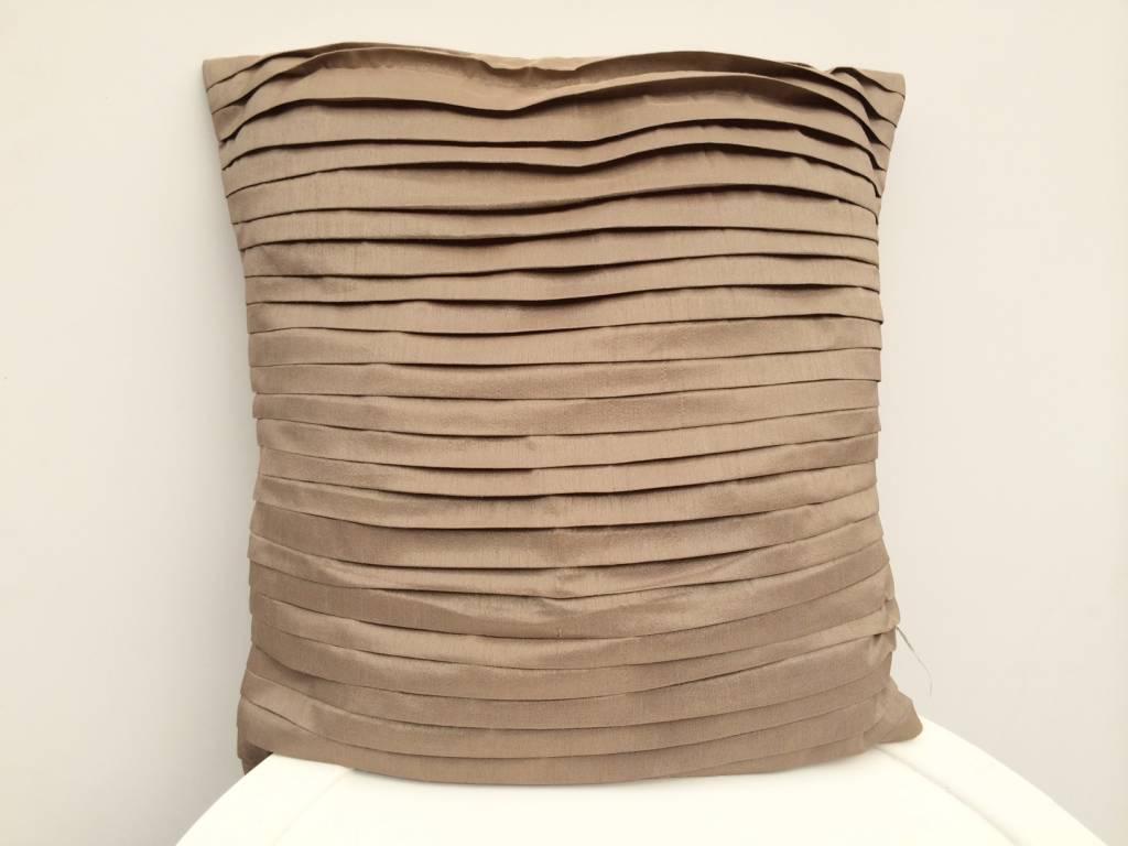 Riverdale Keuken Textiel : Riverdale KUSSEN LINES BRANDY 45X45CM – Jardinerie