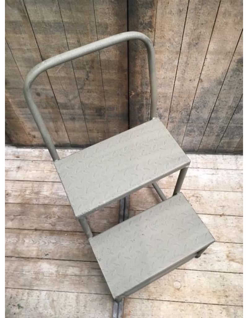 Trapje upstairs hout en metaal jardinerie - Trap metaal hout ...