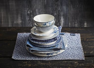 Laura Ashley Servies