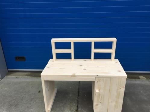 Kinderbureau hout