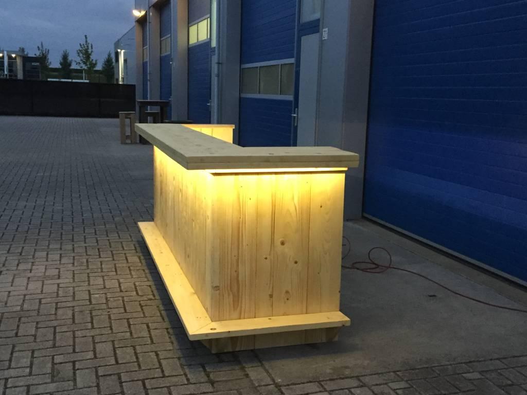 http://static.webshopapp.com/shops/063879/files/086362646/bar-balie-van-steigerhout-met-een-waterproof-led-v.jpg