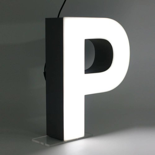Quizzy LED Letter P