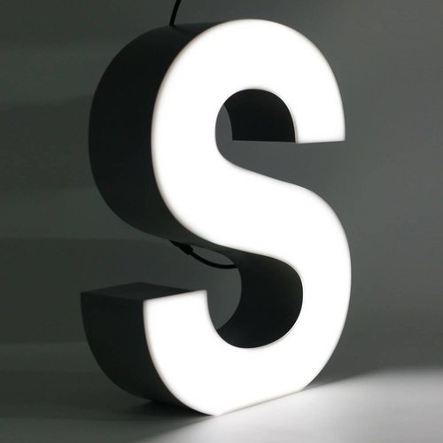 Quizzy LED Letter S