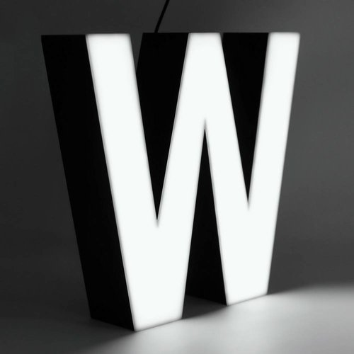 Quizzy LED Letter W
