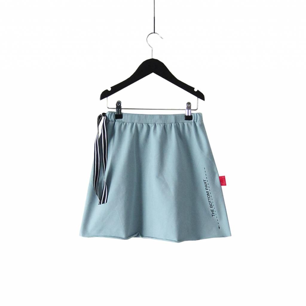 Skirt with drawstring and textprint