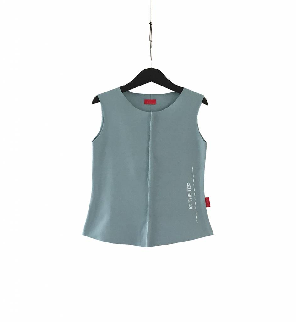Sleeveless top with textprint