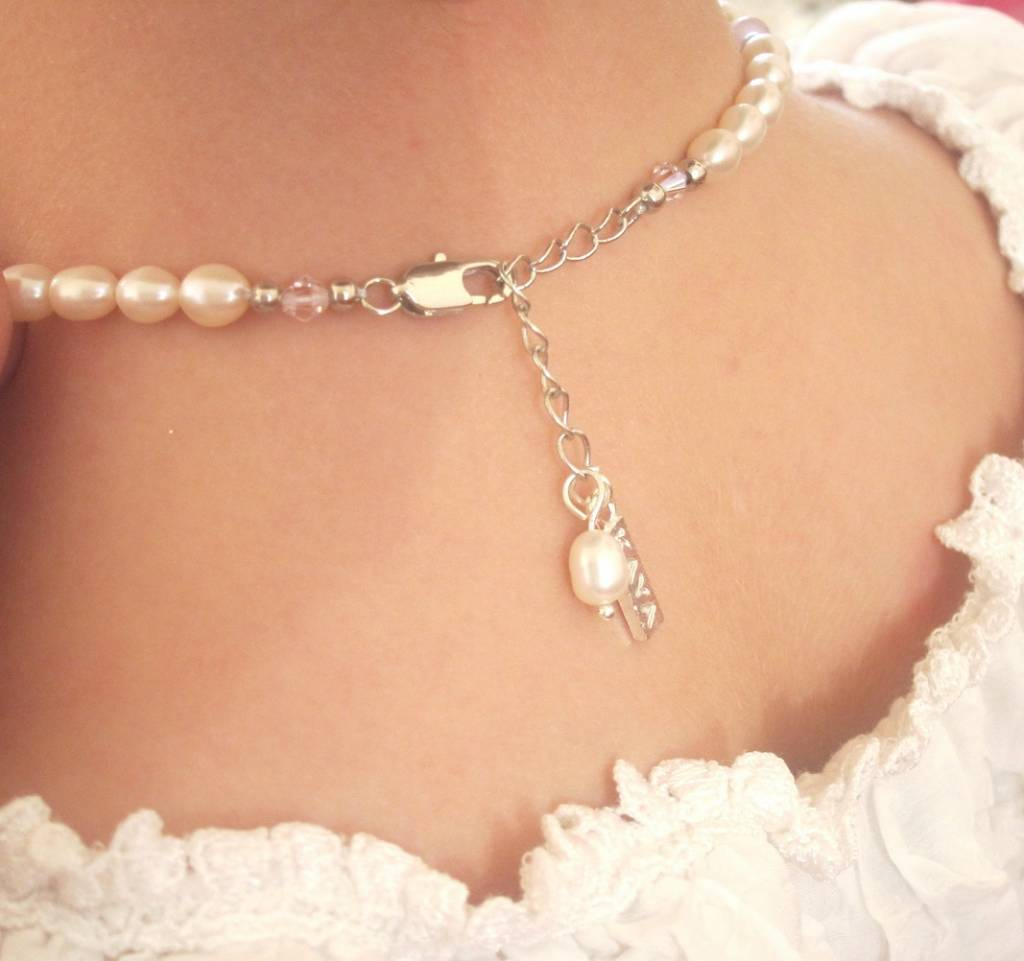 Infinity Beautiful Pearl Necklace 'Infinity White' with Heart Charm