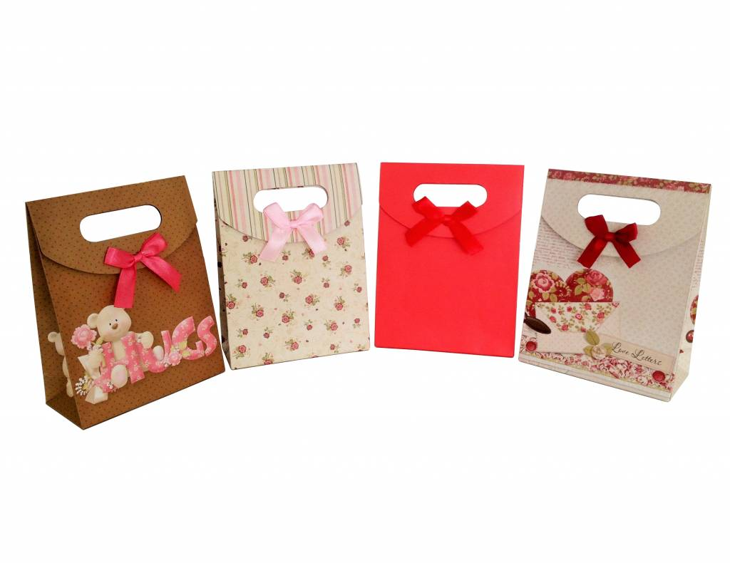 Colourful gift bag with silk ribon