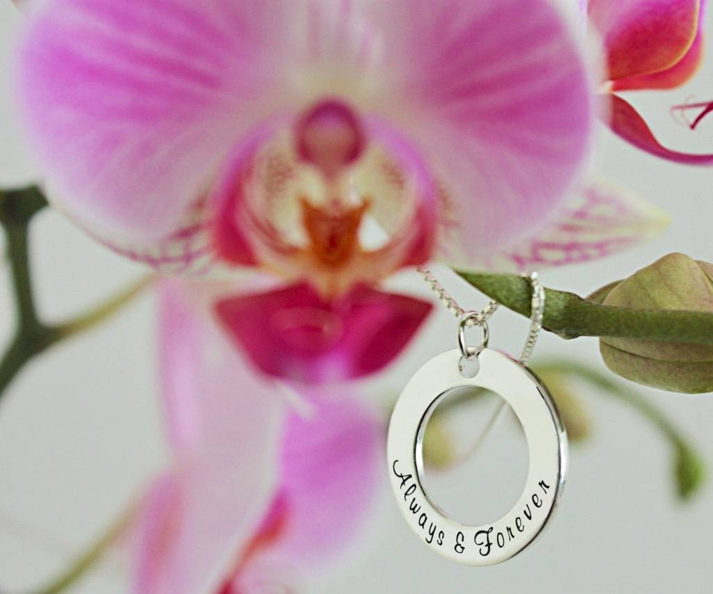Words of Love (silver) 2 Silver Pendants 'The love between Mother and Daughter is Forever ♡'