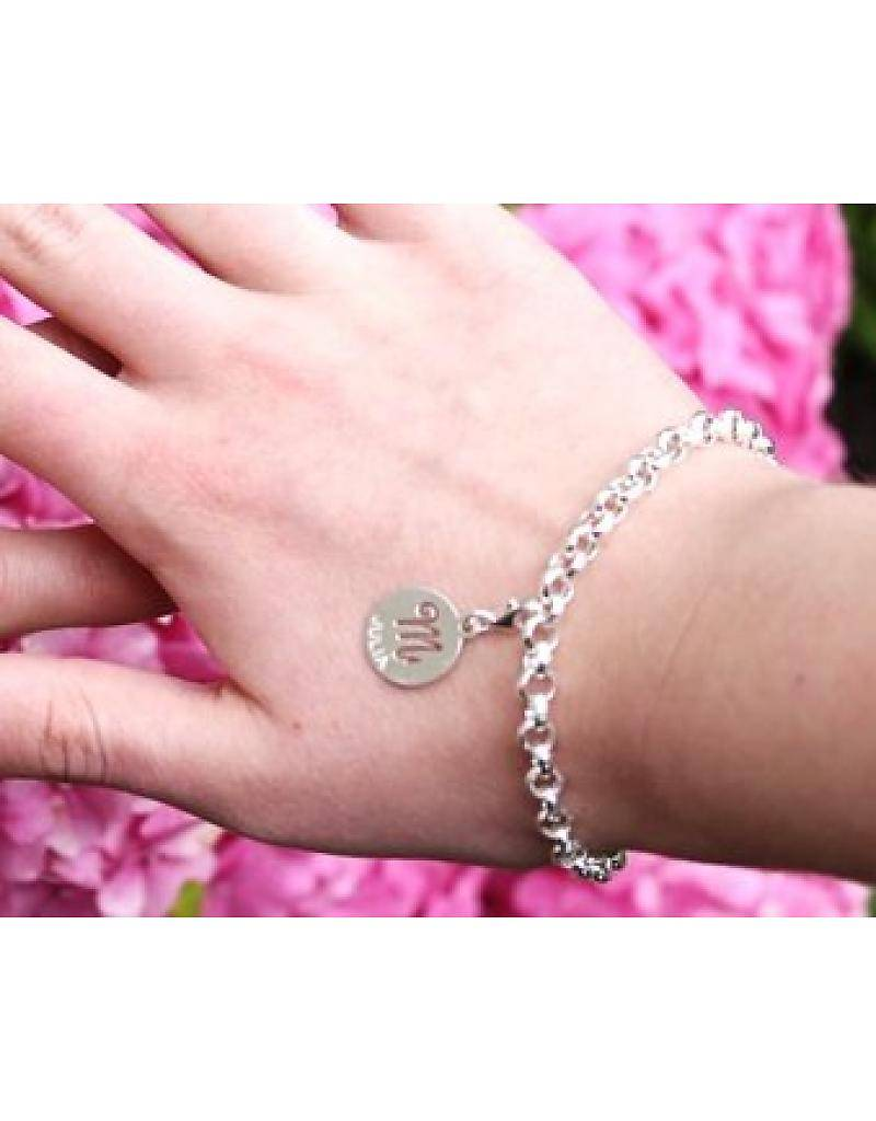 Engraved jewellery Baby feet charm of silver with 'name and date'