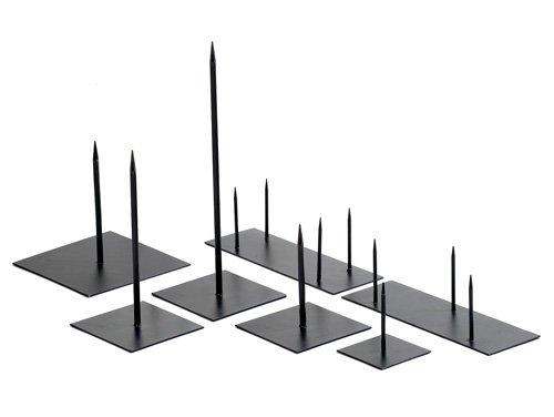 Metalen pin met 4 pinnen op voet