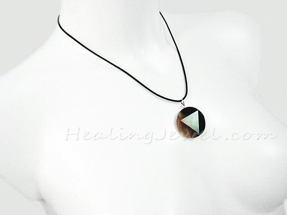 hanger sardonyx, veel terra/wit/doorzichtig, beetje zwart