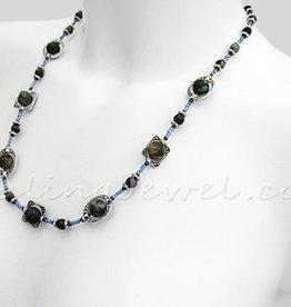 Happy Healthy Me exclusief collier met blauwe rhyoliet en Tibetaans zilver