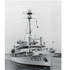 """NVM 10.11.029 HrMs opnemingsvaartuigen """"Snellius"""" A907, """"Luymes"""" A902 (1952)"""