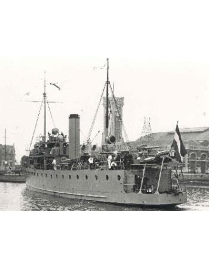 """NVM 10.11.038 HrMs mijnenleggers """"Douwe Aukes"""", """"Van Meerlant"""" (1922)"""