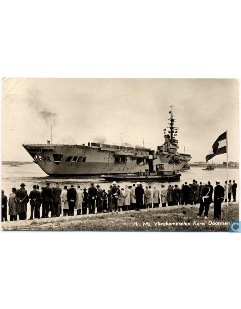"NVM 10.11.047 HrMs vliegkampschip ""Karel Doorman"" (1948) ex ""HMS Venerable"" (1942); vÌÎ_ÌÎ_r verb."
