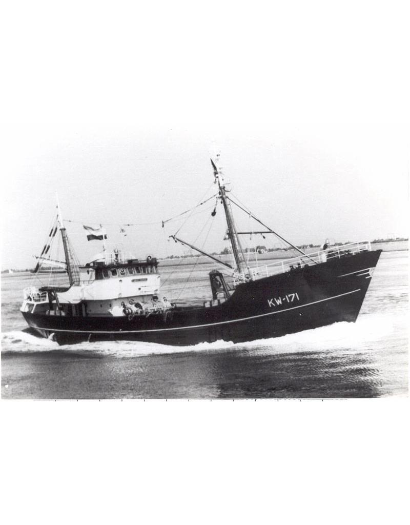 """NVM 10.13.013 motortrawler """"Jan Maria"""" KW 171(1963) - Rederij """"de Samenwerking"""", Katwijk a. Zee"""