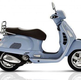 Vespa GTS 300 Classica ABS lichtblauw