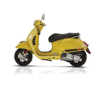 Vespa GTS Super Sport 300IE yellow