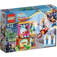 Harley Quinn schiet te hulp Lego