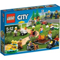 LEGO City 60134 Plezier in het park - City personenset