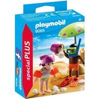 Kinderen met zandkasteel Playmobil