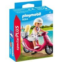Zomers meisje met scooter Playmobil