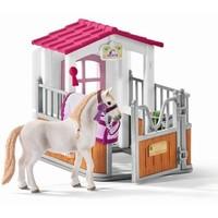 Paardenbox met Lusitano merrie Schleich