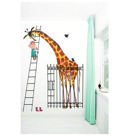 KEK Amsterdam Behang Jongen met giraf