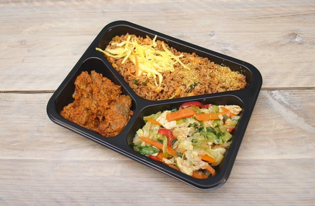 3-vaks maaltijd daging rendang met tjap tjay