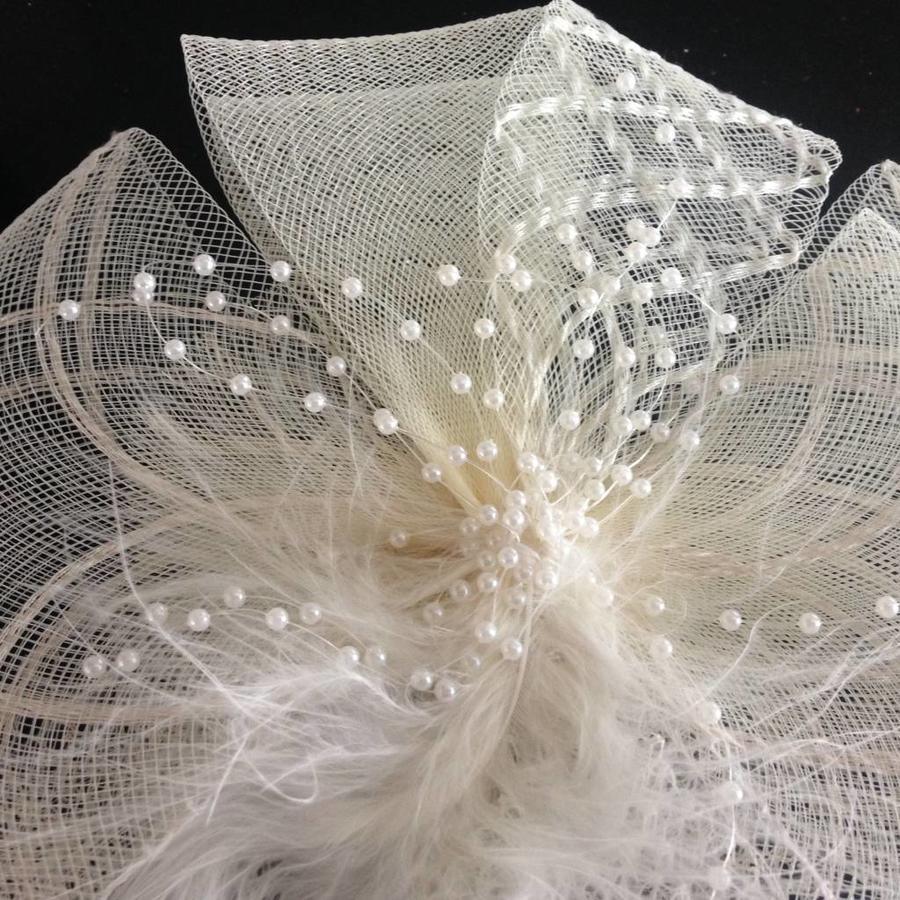 Chique Fascinator / Birdcage Veil - Ivoor-2