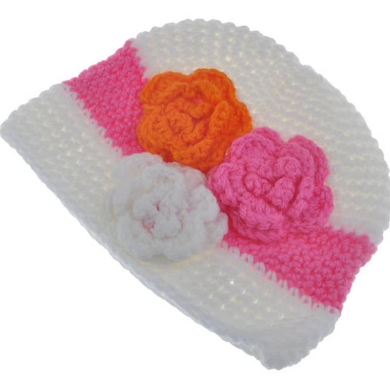 gebreide kindermuts off white oranje en roze. Black Bedroom Furniture Sets. Home Design Ideas