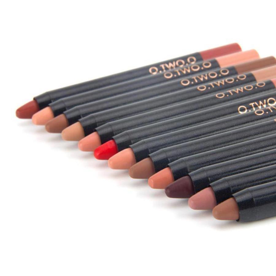 Crayon Matte Lipstick - Color 08 Regal Red-7
