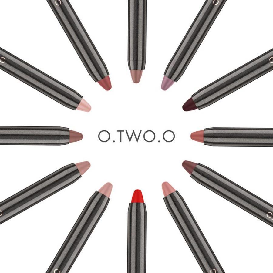 Crayon Matte Lipstick - Color 08 Regal Red-6