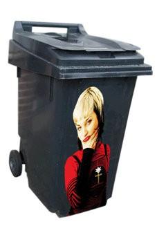 Femme 1 poubelle autocollant