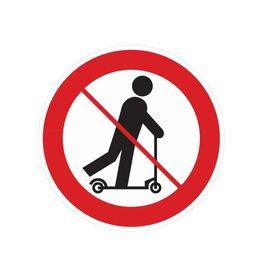 Rollerfahren auf Handhubwagen verboten