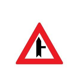 Route latérale droit chemin intersection
