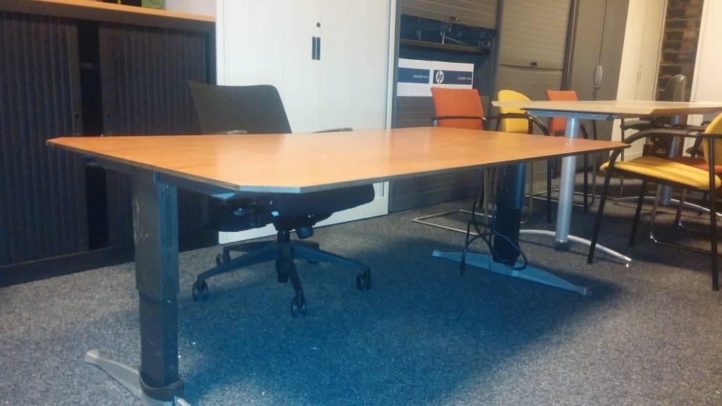 Bureau Met Stoel : Aspa werkplek bureau stoel roldeurkast goedkoopsteprinter