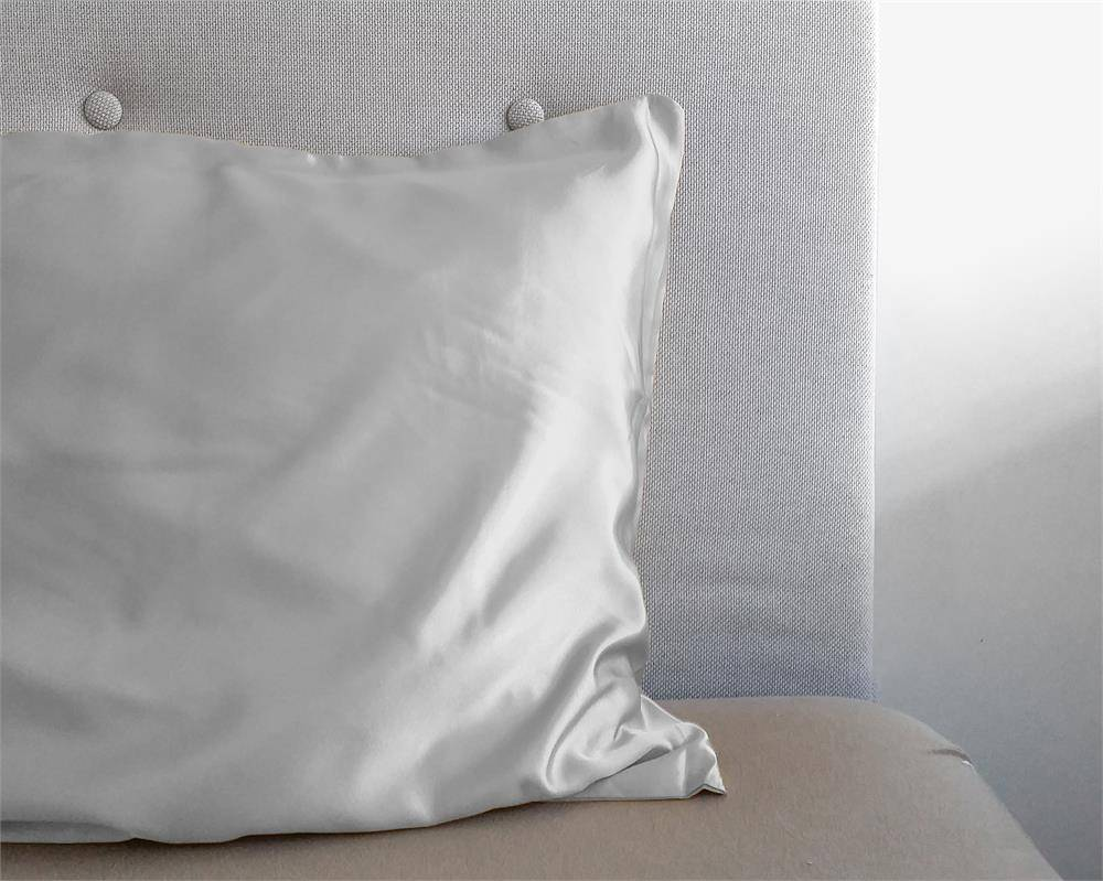 Sleeptime Beauty Skin Care Kussensloop Zilver Glanssatijn